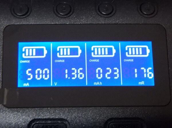 電圧、容量、内部抵抗、時間、電流 Zanflare C4 充電器