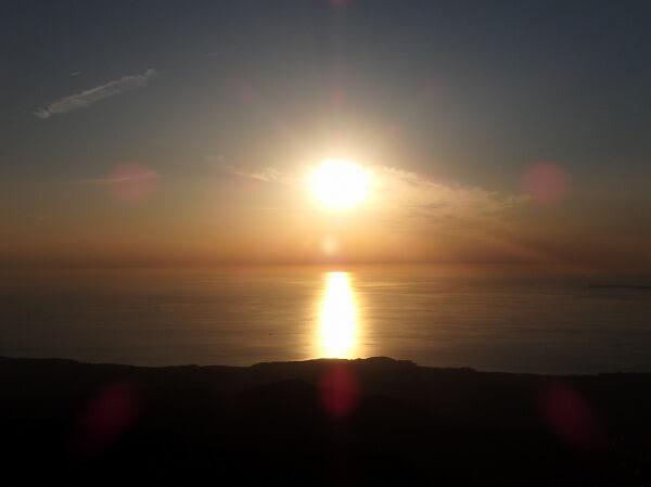 鳥海山鉾立展望団からの夕日