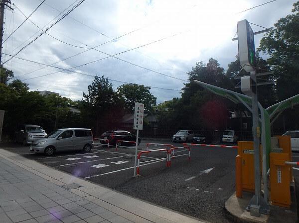 四柱神社 駐車場